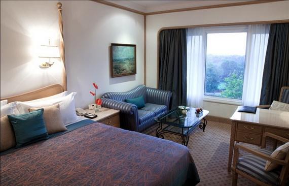 A Luxury Old World Charm in Center New Delhi Taj Mahal Hotel _02
