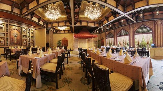 A Luxury Old World Charm in Center New Delhi Taj Mahal Hotel _24