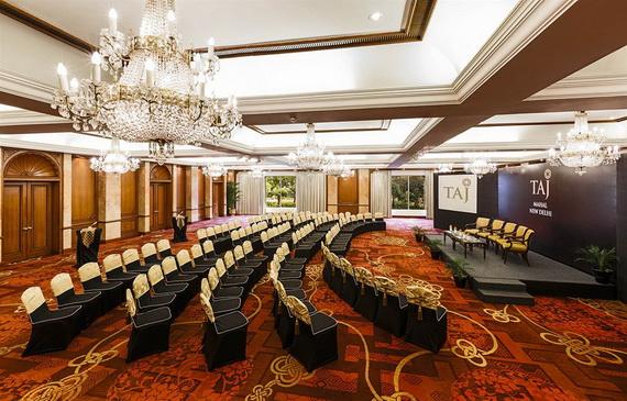 A Luxury Old World Charm in Center New Delhi Taj Mahal Hotel _45
