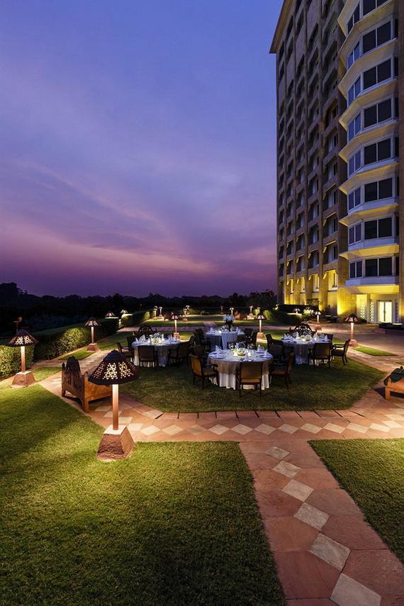 A Luxury Old World Charm in Center New Delhi Taj Mahal Hotel _46