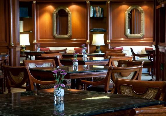 A Luxury Old World Charm in Center New Delhi Taj Mahal Hotel _53