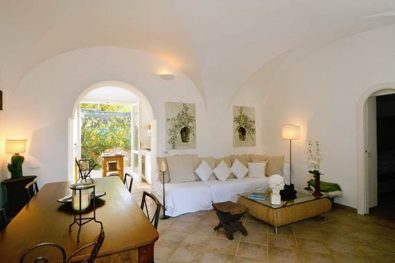 amazing-rental-villa-with-panoramic-views-in-amalfi-coast-italy_04