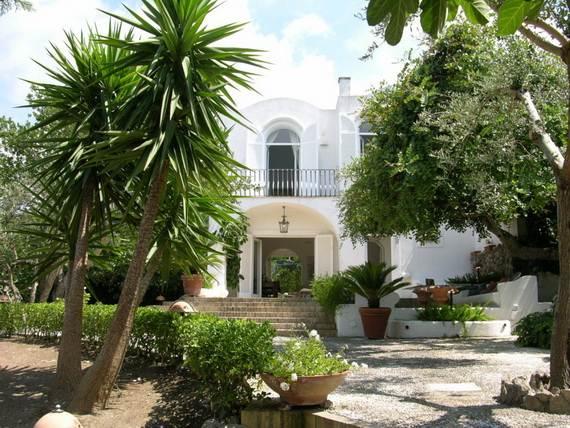 Amazing rental villa with panoramic views in amalfi coast for Villas in capri