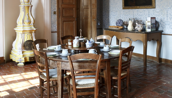 C18th Burgundy Chateau a Charming Hotel in Bourgogne France_02