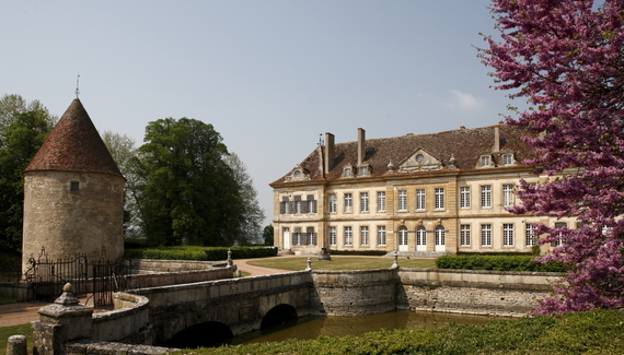 C18th Burgundy Chateau a Charming Hotel in Bourgogne France_05