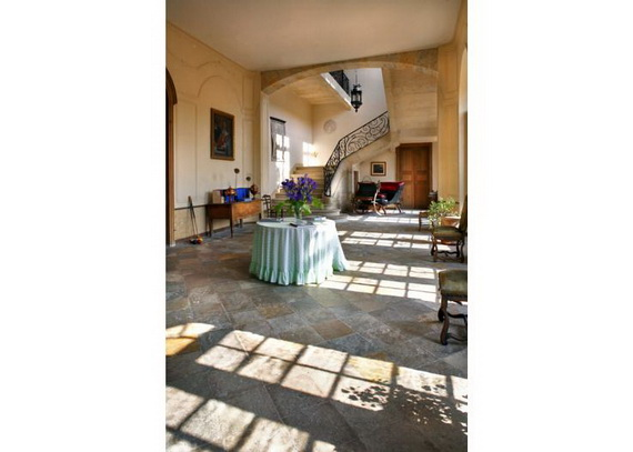 C18th Burgundy Chateau a Charming Hotel in Bourgogne France_10