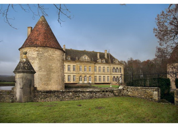 C18th Burgundy Chateau a Charming Hotel in Bourgogne France_30