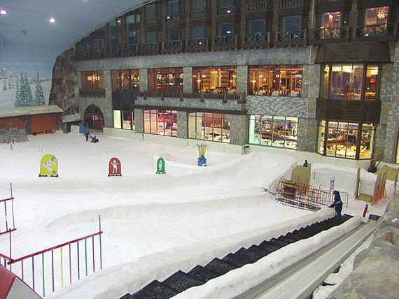 Unbelievable Family Holiday in Dubai (Ski Dubai)_01