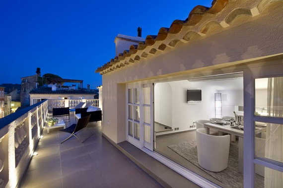 A Magnificent Family Rental Home In The Center Of St Tropez_12