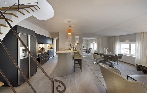 A Magnificent Family Rental Home In The Center Of St Tropez_16