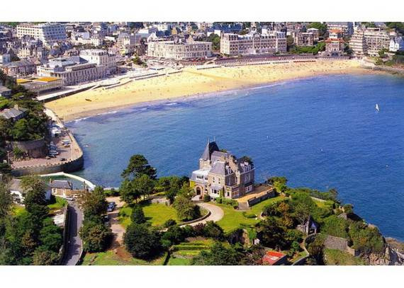 chateau-du-moulin-15-astonishing-historical-villa-overlooking-st-malo-1