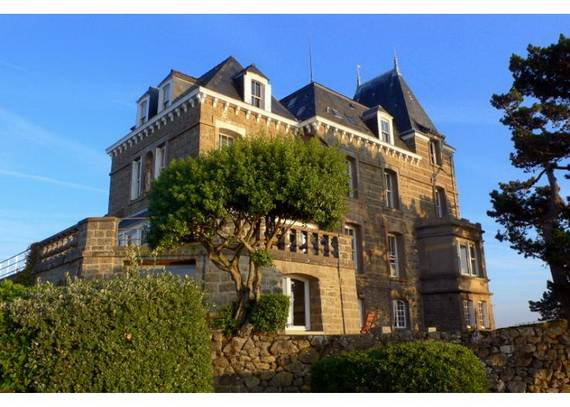 chateau-du-moulin-15-astonishing-historical-villa-overlooking-st-malo-29