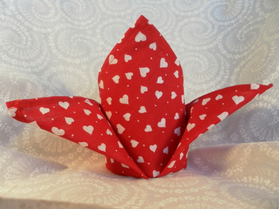 Creative Napkin Folds for Your Holiday Table (26)