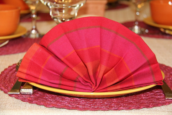 Creative Napkin Folds for Your Holiday Table (29)