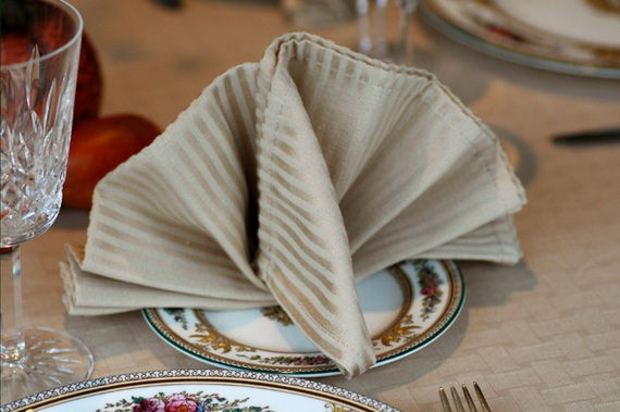 Creative Napkin Folds for Your Holiday Table (33)