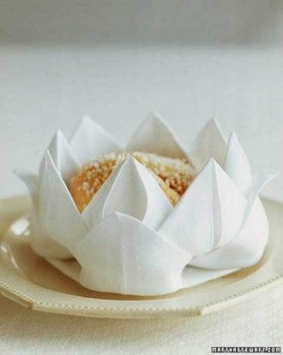 Creative Napkin Folds for Your Holiday Table (44)