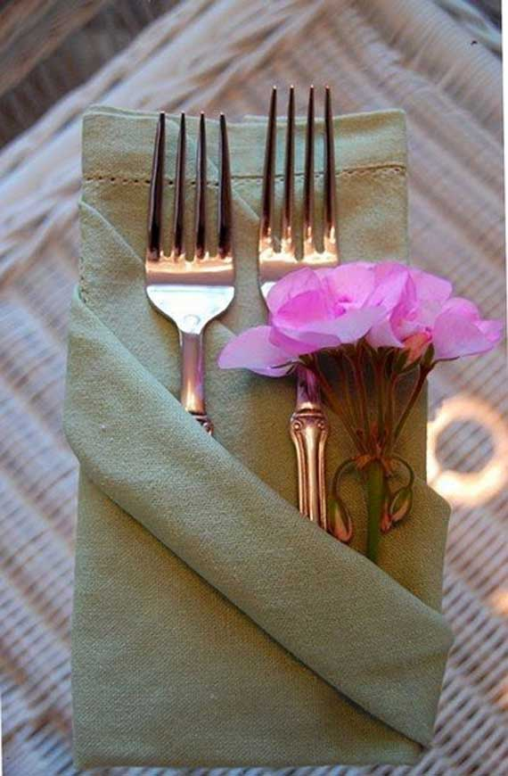 Creative Napkin Folds for Your Holiday Table (52)