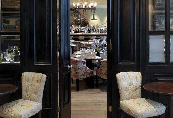 Extraordinary Atmosphere In Covent Garden Hotel_01 (2)