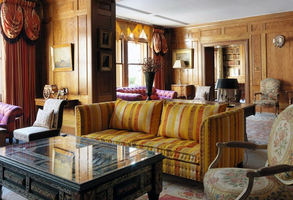 Extraordinary Atmosphere In Covent Garden Hotel_16
