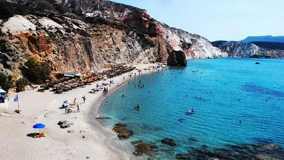 The-Stunning-Santorini-Island-Greece-_Perissa-Beach_5