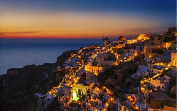 The-Stunning-Santorini-Island-Greece_10