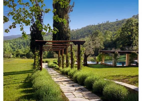 villa-sartino-ideal-retreat-in-extreme-comfort-tuscany-italy_04