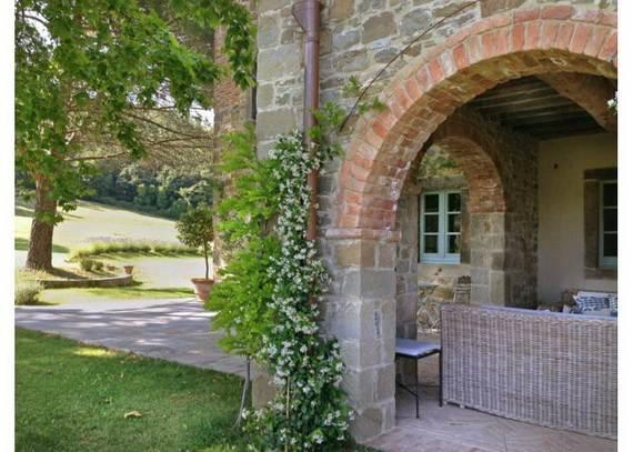villa-sartino-ideal-retreat-in-extreme-comfort-tuscany-italy_10