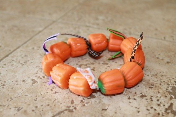 35 Spooky and Fun DIY Halloween Crafts Ideas _23