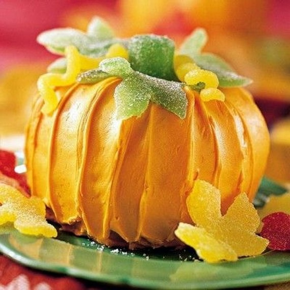 45 Edible Decoration Ideas for Halloween Cakes and Cupcakes_13