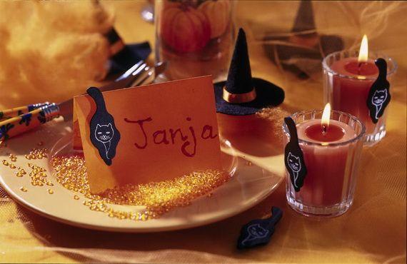 For A Special Halloween DIY Halloween Decora (15)