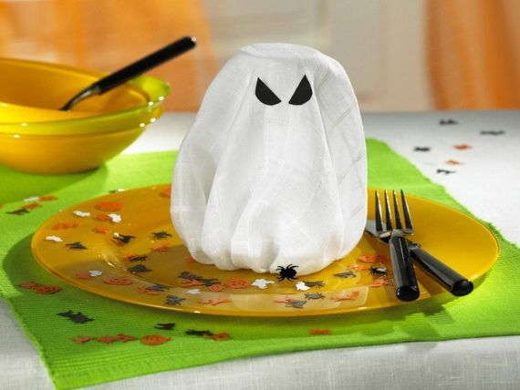 For A Special Halloween DIY Halloween Decoration