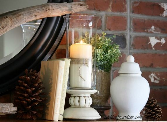 35 Gorgeous Holiday Mantel Decorating Ideas with Pine cones_02