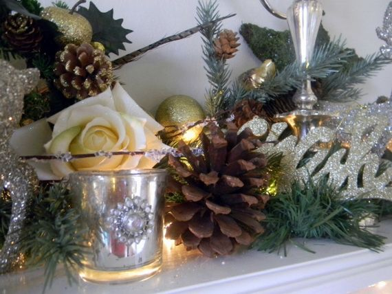 35 Gorgeous Holiday Mantel Decorating Ideas with Pine cones_36