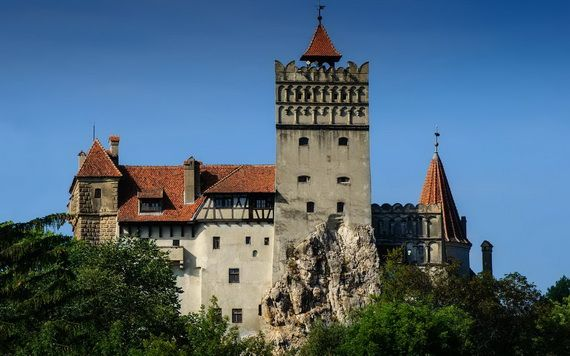 Best Destinations for Halloween Bran Castle - Dracula's Castle_01