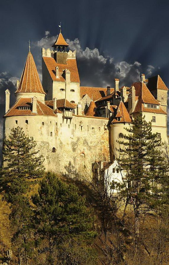 Best Destinations for Halloween Bran Castle - Dracula's Castle_02