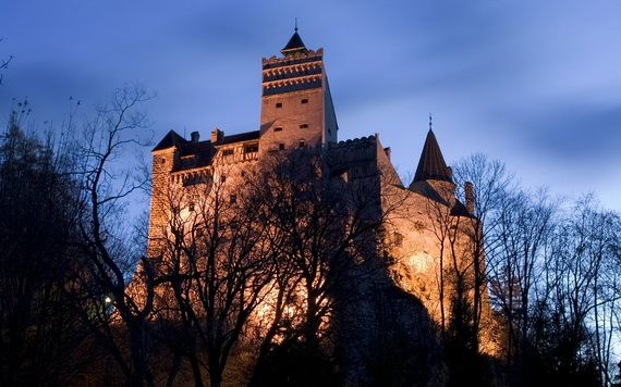 Best Destinations for Halloween Bran Castle - Dracula's Castle_04