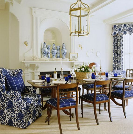 DECORATING WITH BLUE AND WHITE_031