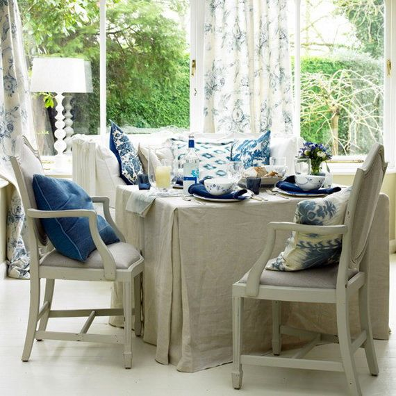 DECORATING WITH BLUE AND WHITE_073