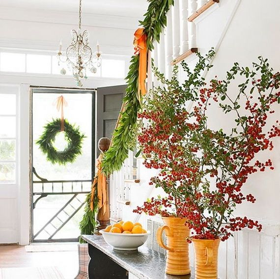 Festive Holiday Staircases and Entryways_15