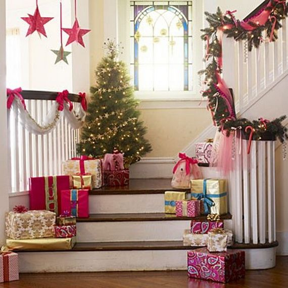 Festive Holiday Staircases and Entryways_39
