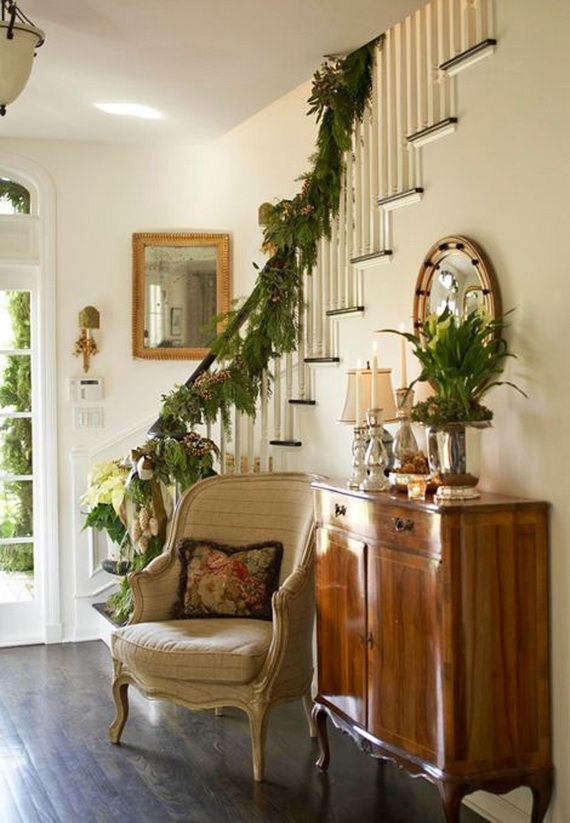 Festive Holiday Staircases and Entryways_41