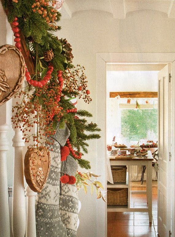 Festive Holiday Staircases and Entryways_53