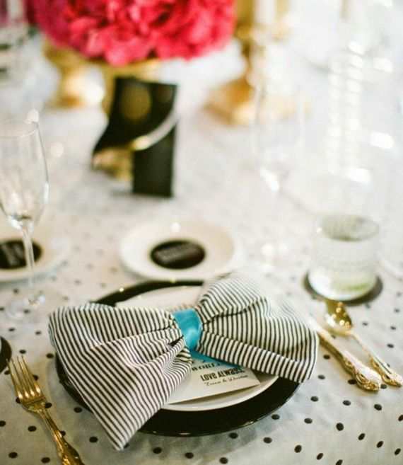 Napkin Folding – Seasonal Ideas For Table Decoration_34