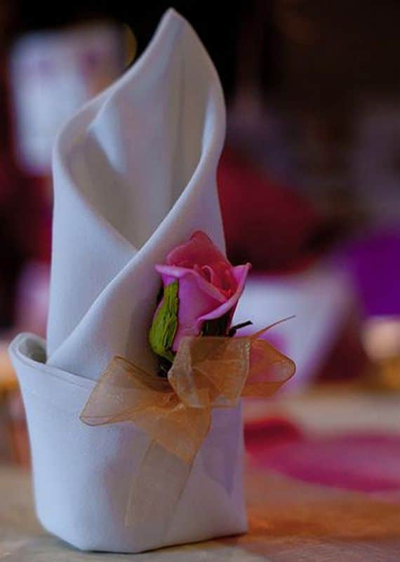 Napkin Folding – Seasonal Ideas For Table Decoration_67