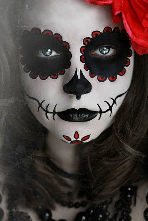 pretty-and-scary-halloween-makeup-ideas-for-the-whole-family-a-40