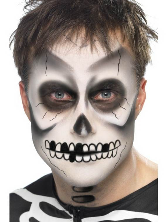 pretty-and-scary-halloween-makeup-ideas-for-the-whole-family-a-41