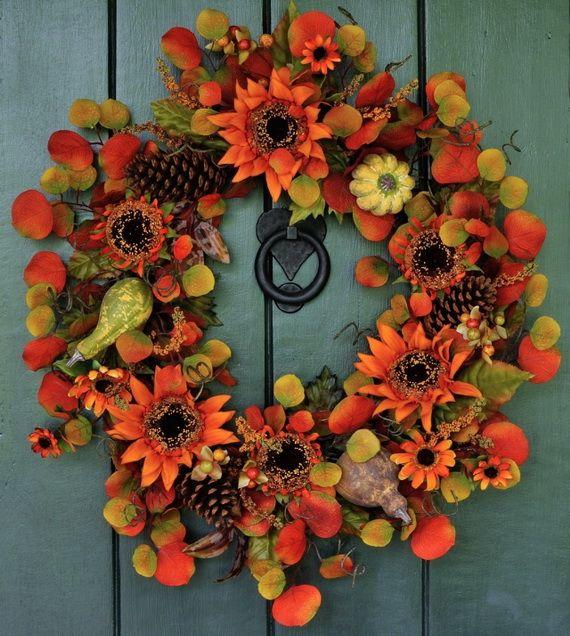 Splendid Fall Wreaths & Door Decoration Ideas And Inspiration_045