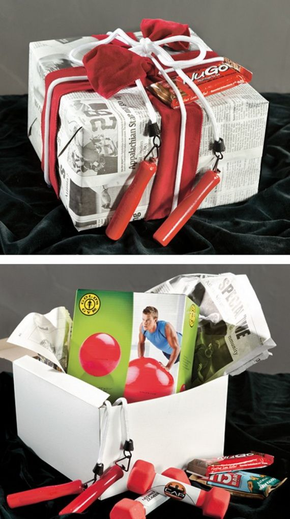 Traditional-Christmas-Gift-Basket-Idea_23
