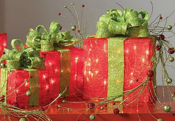Traditional-Christmas-Gift-Basket-Idea_34