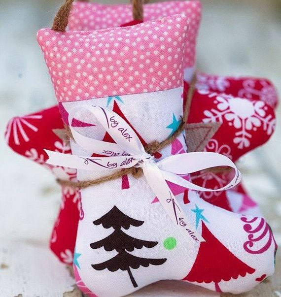 Traditional-Christmas-Gift-Basket-Idea_41